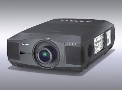 PLC-XF46E -流明12000-2